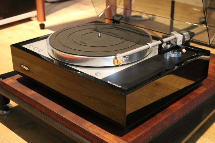 Thorens TD 1601 http://domolux.ua/products/thorens-td-1601 http://h-fi.ua/products/thorens-td-1601